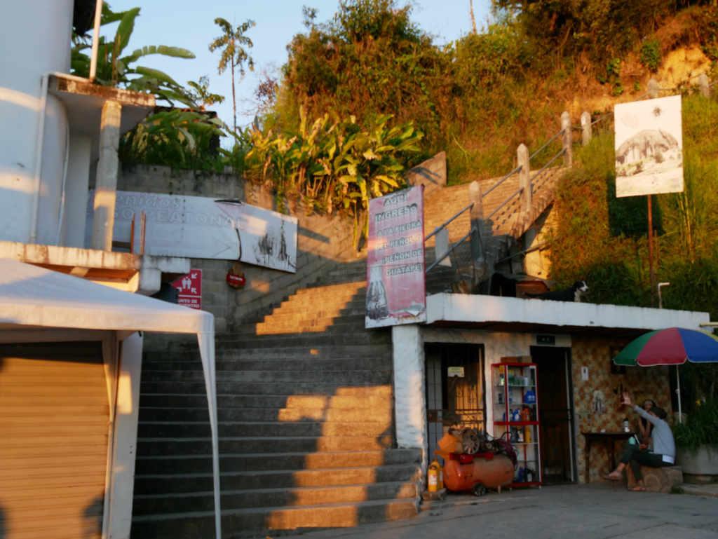 Startpunkt Aufstieg zum El Peñol in Guatapé